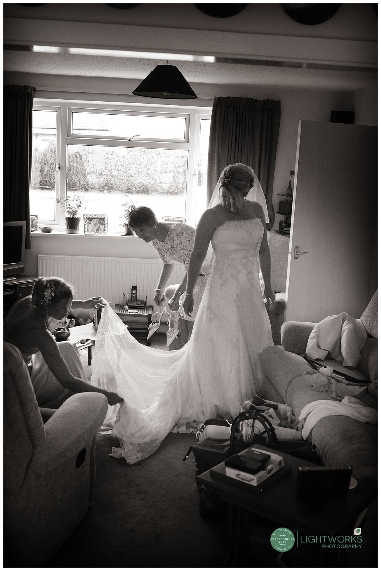 Cambridge wedding, bride getting ready.