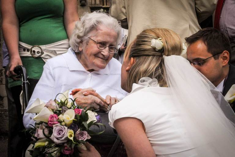 Bride and gran at a Cambridge wedding